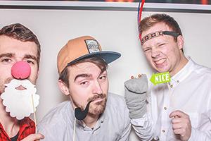 Daniel und seine Freunde in der Fotobox