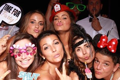 Mädels zur Fotobox kommen